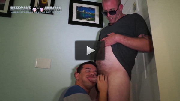 love download video - (Beefcake Hunter - Another Hot Delivery By Max)