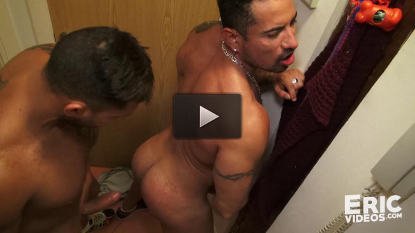 Richard gets pounded and filled up by Viktor XXL - gets, horny, dude, file, watch
