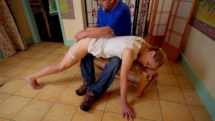 BDSM Ariel Anderssen Spanking Butt Plug Response Test
