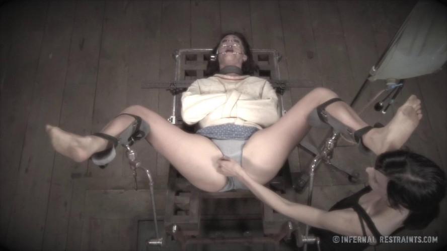 BDSM Assylum - Cici Rhodes