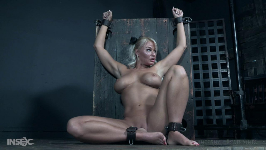BDSM Foot Tortures For Busty London River