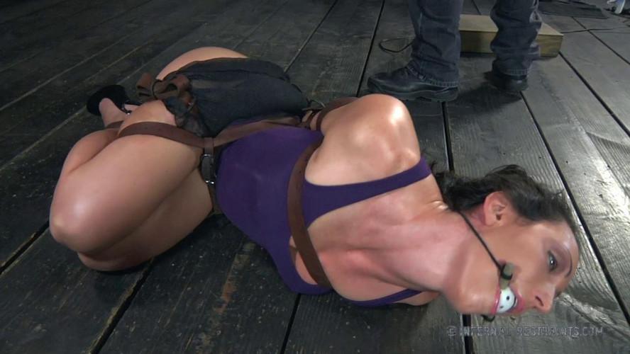 BDSM Wenona - Strapped