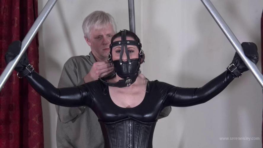 BDSM Latex Serene Isley: Ballet boots and bondage