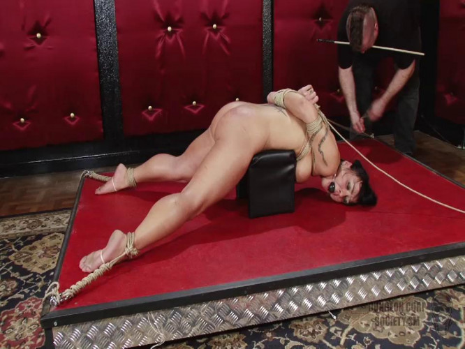 BDSM Mahina Zaltana Bondage