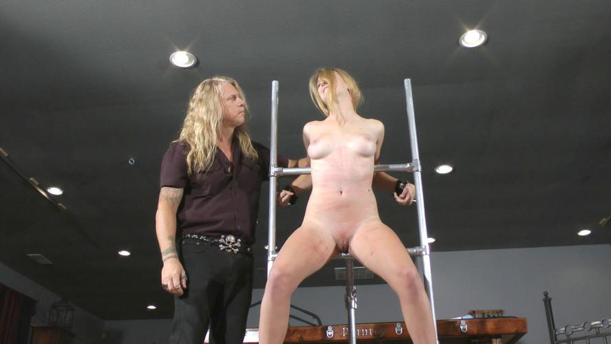 BDSM Crash Test Slave