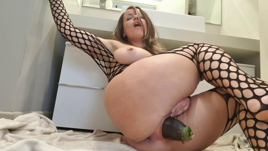Fisting and Dildo Big eggplant in pussy and ass