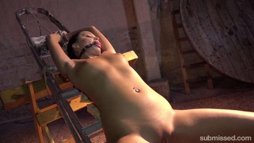 BDSM Daphne Klyde