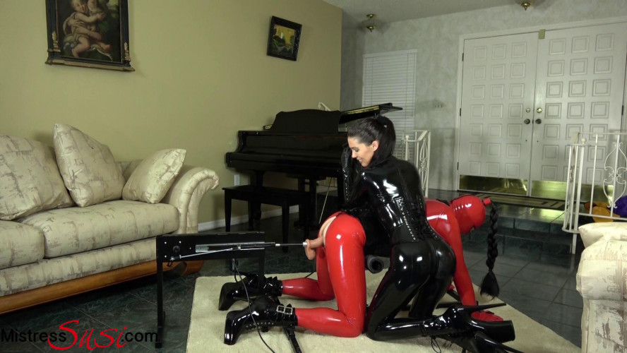 BDSM Latex The Rubberdoll on the Fucking Machine