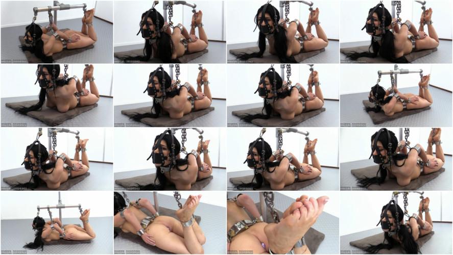 BDSM Little Lanta vs the Hogtie Frame