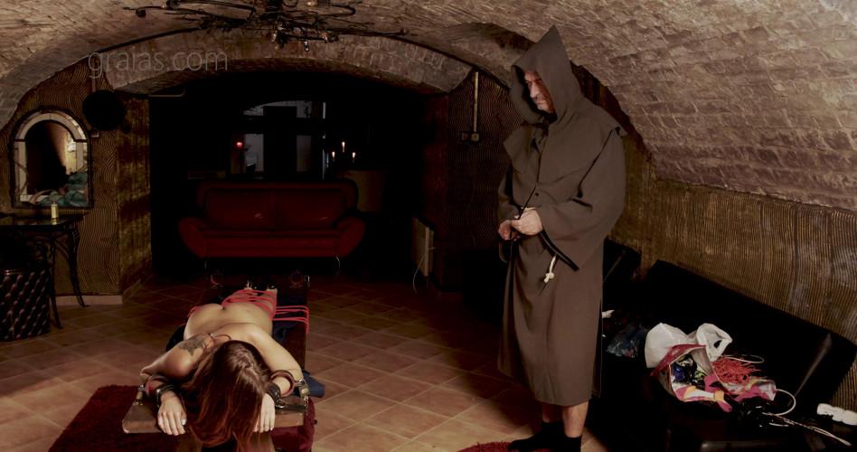 BDSM Renata the Revenge Part 1 - Graias