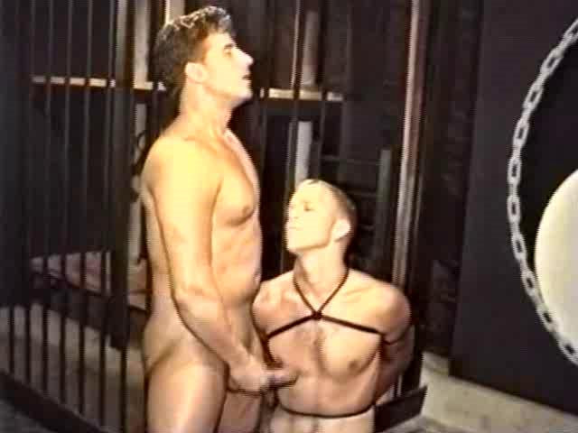 Gay BDSM Tom Ropes McGurk - Breaking and Entering Rod Barry