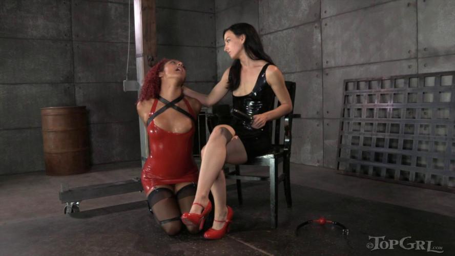 BDSM Latex Daisy Ducati  Pushing Daisy