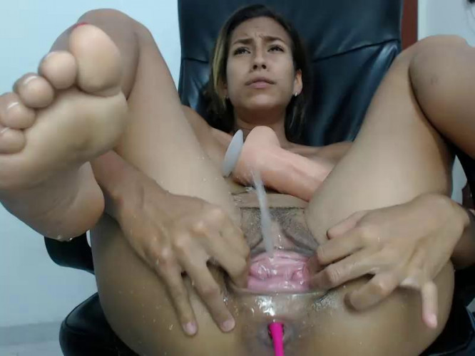 Fisting and Dildo Extreme Webcams with Kristy Bennet Part 4