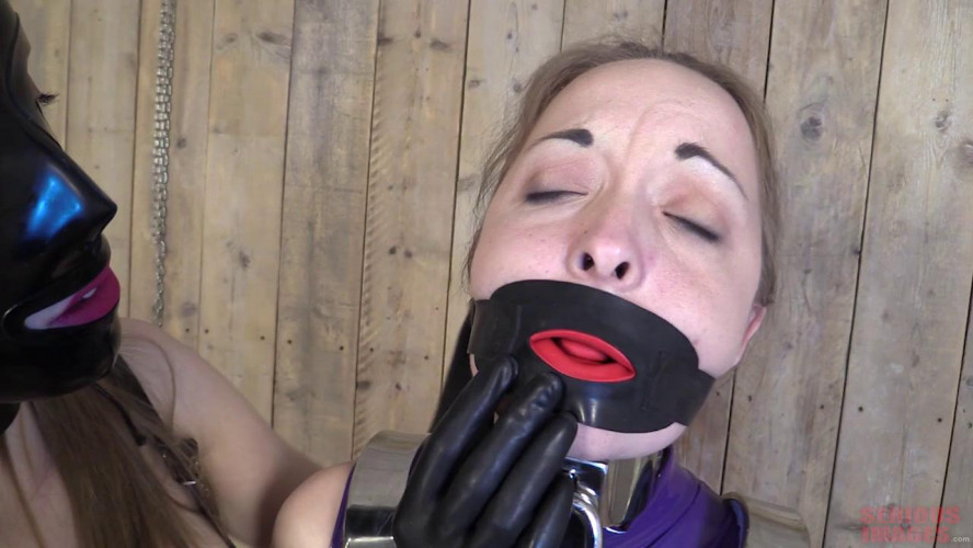 BDSM Latex Fun With Cobie And Pling