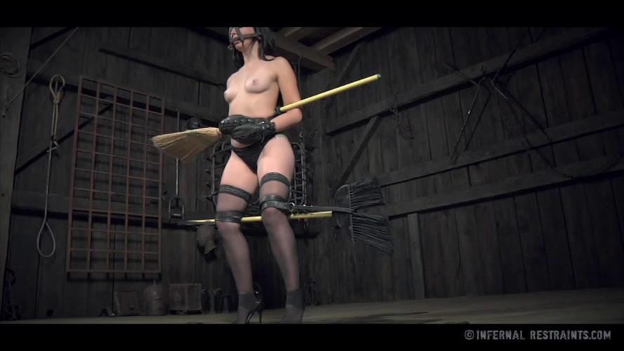 BDSM IR   - Mandy Muse