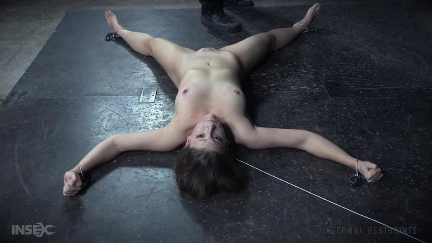 BDSM Kel Bowie-D.I.Y.