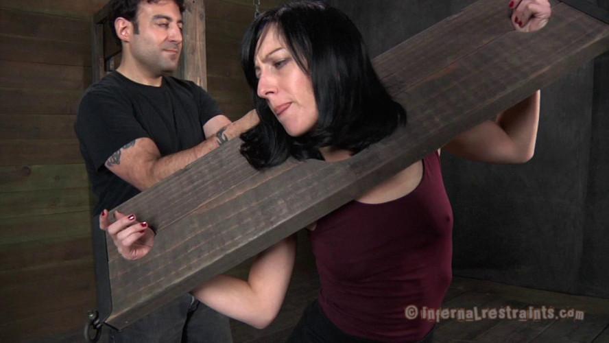 BDSM Elise Graves - Queen Of Pain (Part 1)