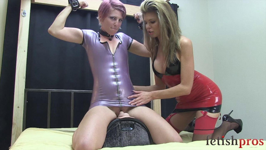 BDSM Latex Kay Bound in Latex on Sybian