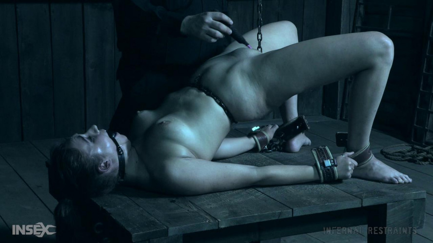 BDSM Pain It Forward: Zapped - Stephie Staar, London River