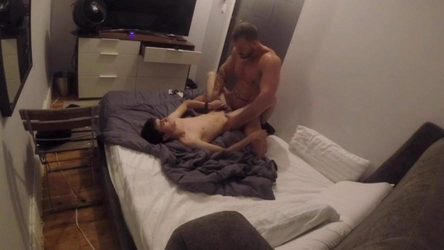 Gay BDSM Sub boy wants the belt 720p