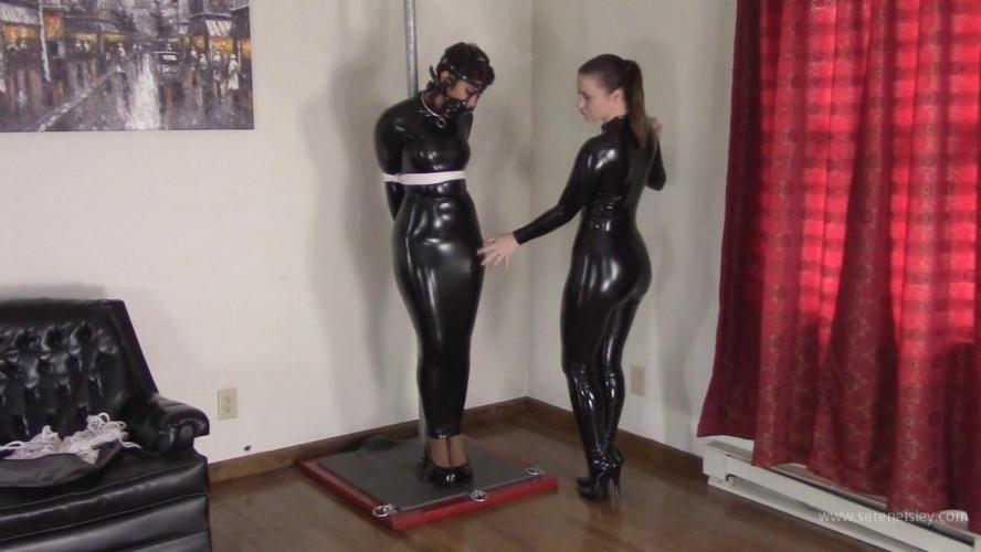 BDSM Latex Enchantress Sahrye & Serene Isley - Sahrye Pole Tied With Coils of Rope
