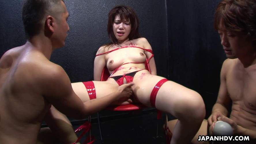 Asians BDSM Remi kawamura cums while her captors stimulate her slit with vibrators