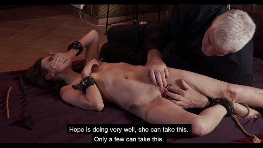 BDSM Slave of Throne - Part 02