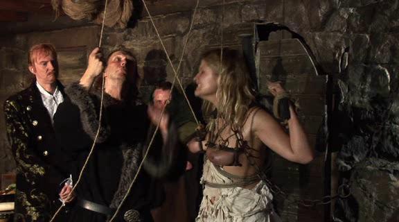 BDSM Die Schankmaid In Der Hexenschänke