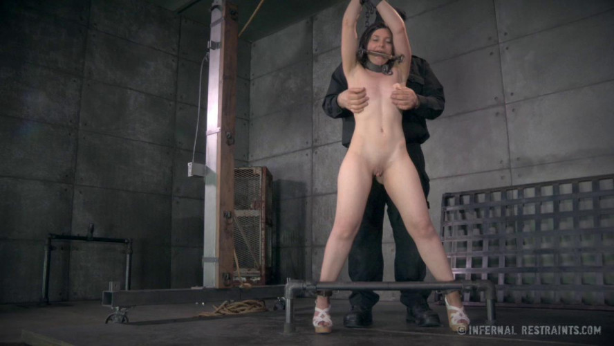 BDSM Fayed to Black - Amy Faye