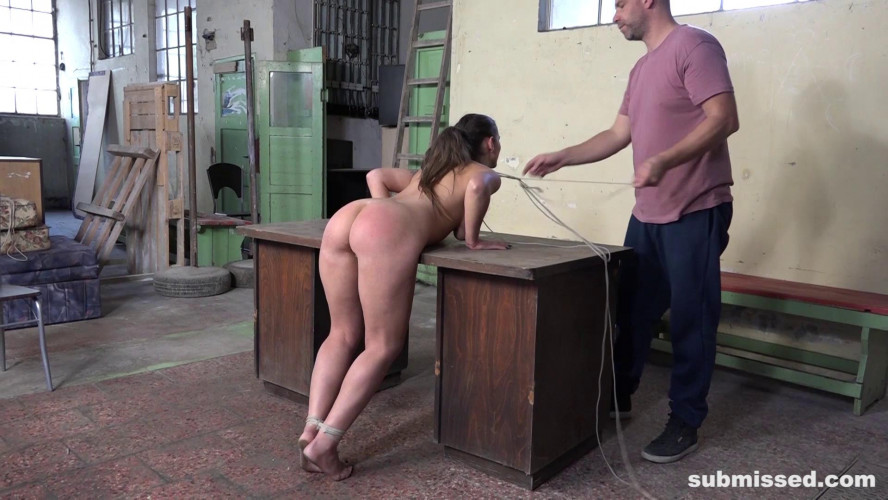 BDSM Laura Noiret listens to her master