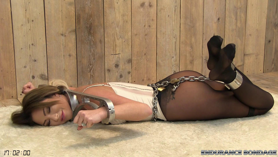 BDSM Natalia Forrest Yoke Hog Shackle experience