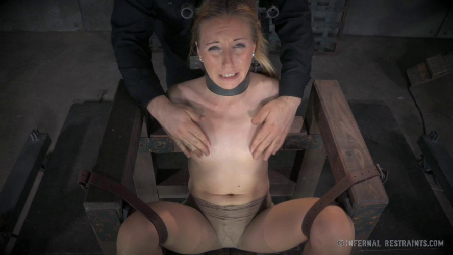 BDSM Just Right - Emma Haize