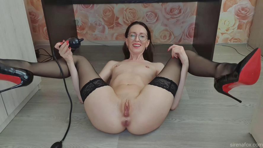 Fisting and Dildo Sirenafox Hard anal show 4k