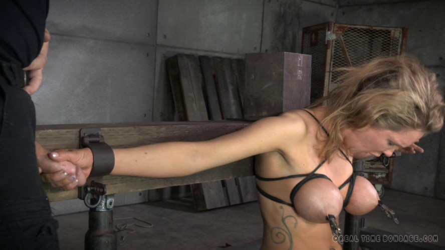BDSM Rain DeGrey cums repeatedly while facefucked, brutal deepthroat!