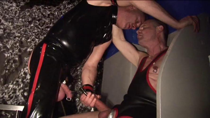 Gay BDSM Megapiss 2