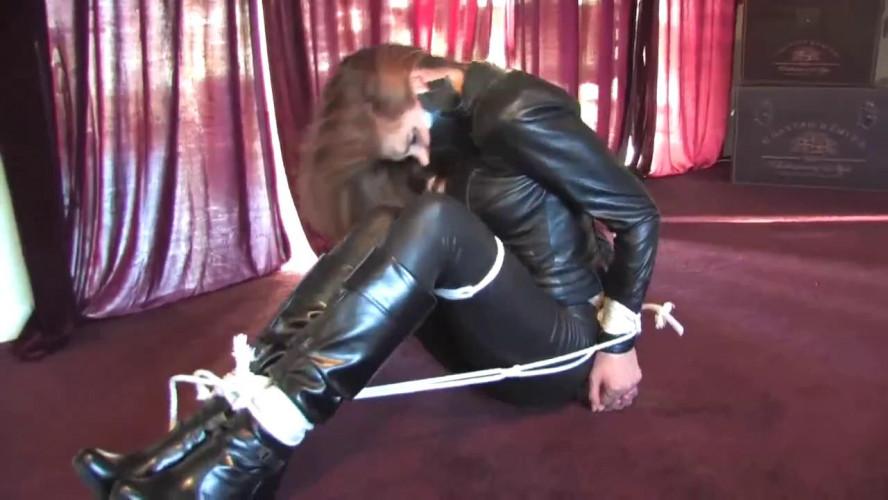 BDSM Five days in captivity