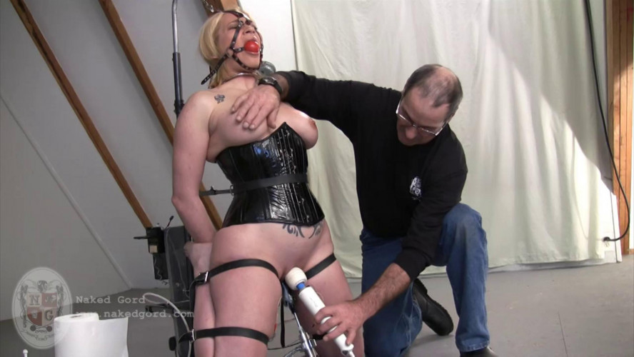 BDSM Iridal Naked on the Ommph for House of Gord