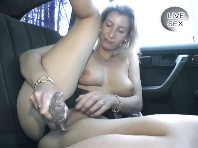 Fisting and Dildo Live car sex with blondie