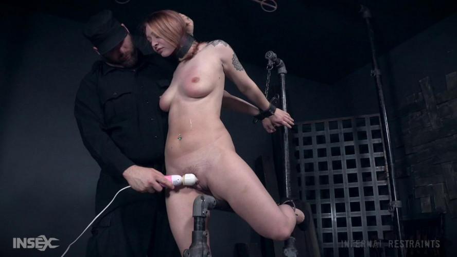 BDSM Strappadoed - Jacey Jinx
