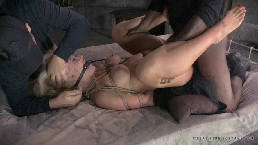 BDSM Holly Heart