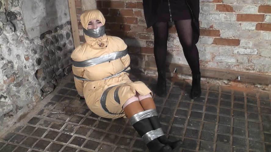 BDSM Feimiv Likes Bondage