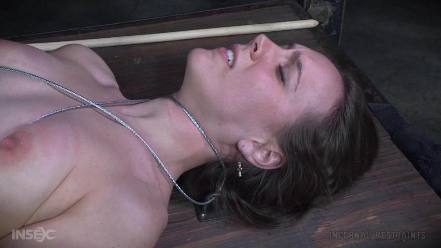 BDSM Sierra Cirque Shows off the Hottest BDSM Fashion