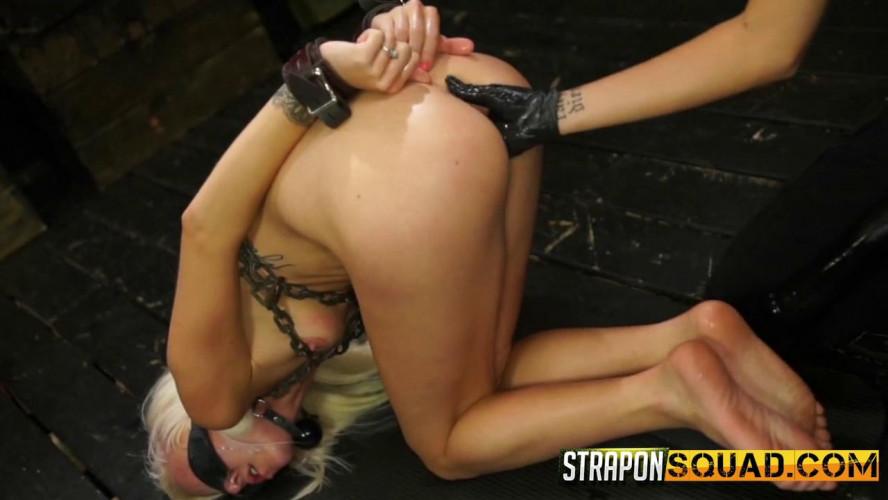 BDSM Halle Von And Marina Angel