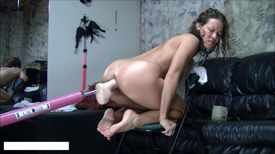 Sex Machines Machine fucked in a chair