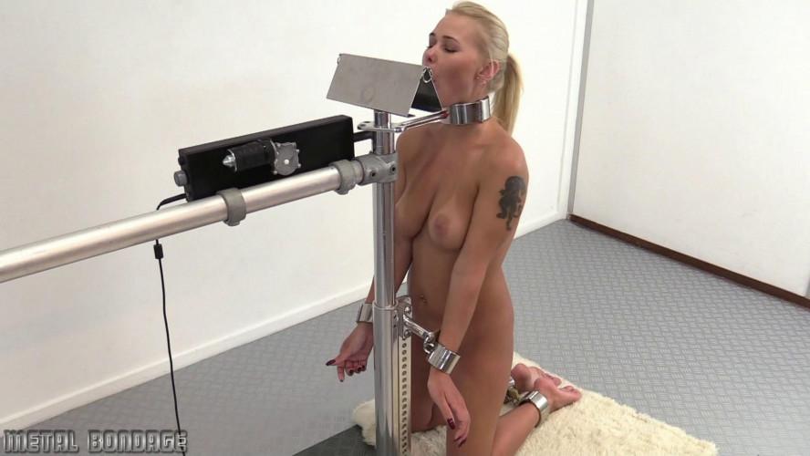 BDSM The Blowjob Machine!