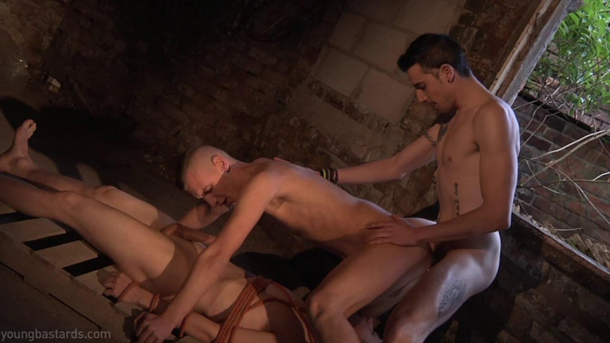 Gay BDSM The torture of desire