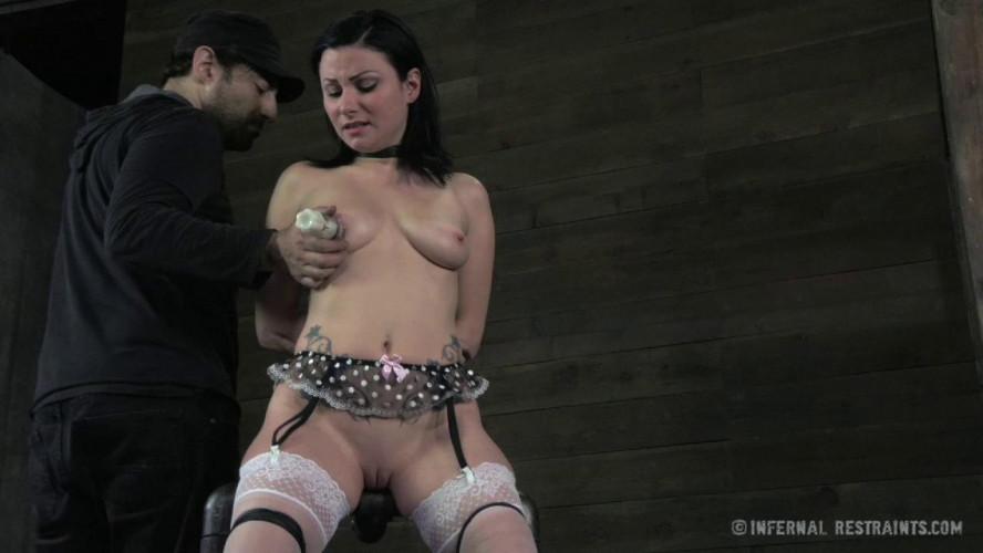 BDSM Pussy On The Pole - Veruca James