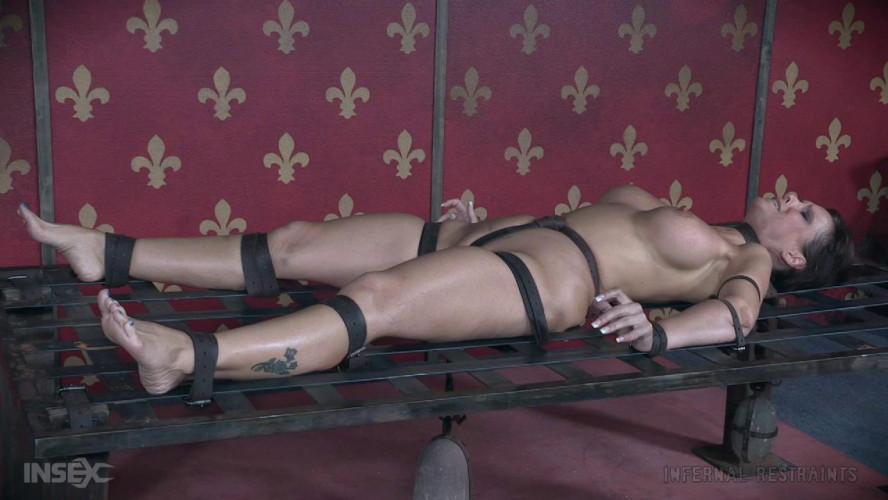 BDSM Syren De Mer The Art of Suffering