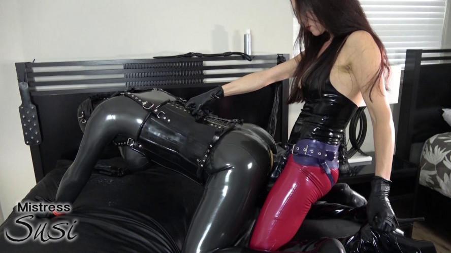 BDSM Latex The new Rubberdoll