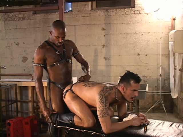 Gay BDSM Deep In The Hole
